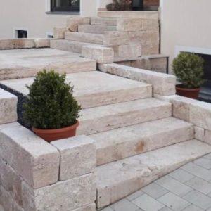 Blockstufen-Naturmauersteine